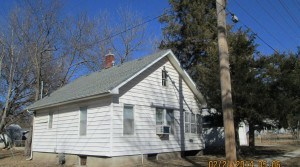 416 E. Kansas Avenue, Emporia, KS — 2 Bedroom, 1 Bath
