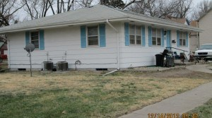 201 W 12th Ave #2, Emporia, KS — 3 Bedroom, 1 Bath