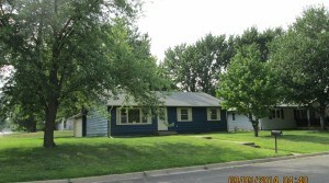 901 Sunrise Drive, Emporia, KS — 3 Bedroom, 2 Bath House for Rent