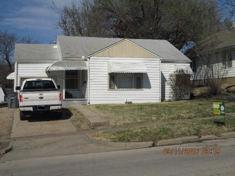 116 W 15th, Emporia, KS–2 bedroom 1 Bath House For Rent
